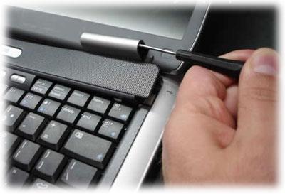 Výměna plastů notebooku HP